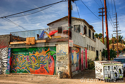 graffiti-east-los-angeles-13750581.jpg